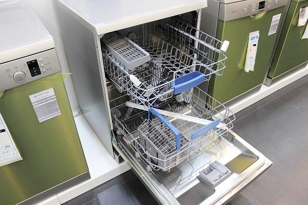 Một số sự cố thường gặp khi sử dụng máy rửa bát FAGOR